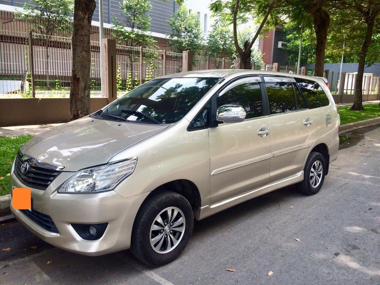 Cần bán Toyota Innova 2012, xe gia đình sử dụng còn Zin 90%-0