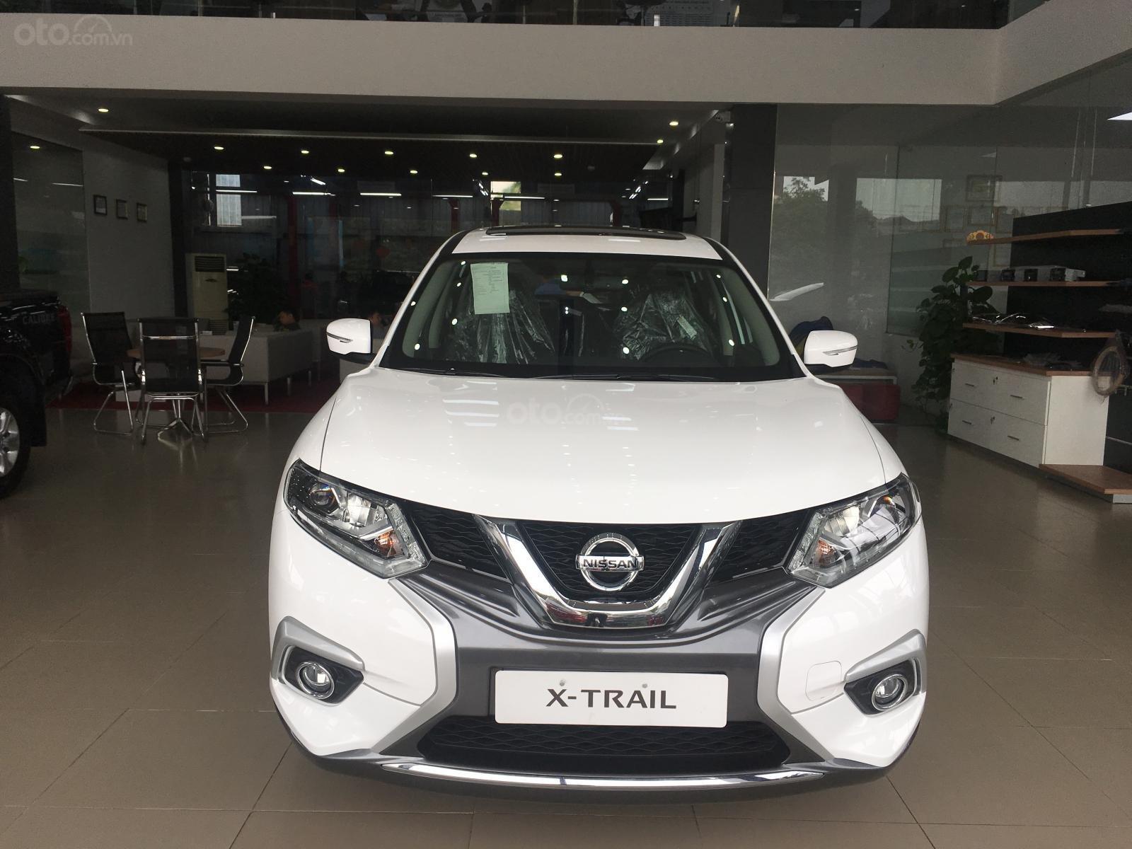 Bán ô tô Nissan X trail 2.0 Luxury 2019, màu trắng giá tốt nhất (1)