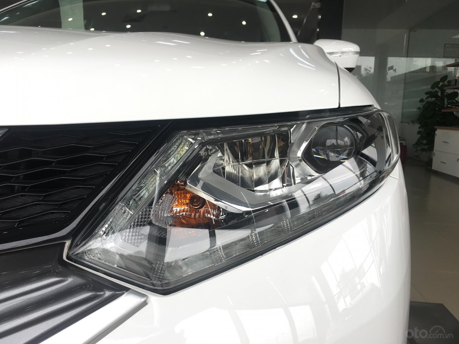 Bán ô tô Nissan X trail 2.0 Luxury 2019, màu trắng giá tốt nhất (3)