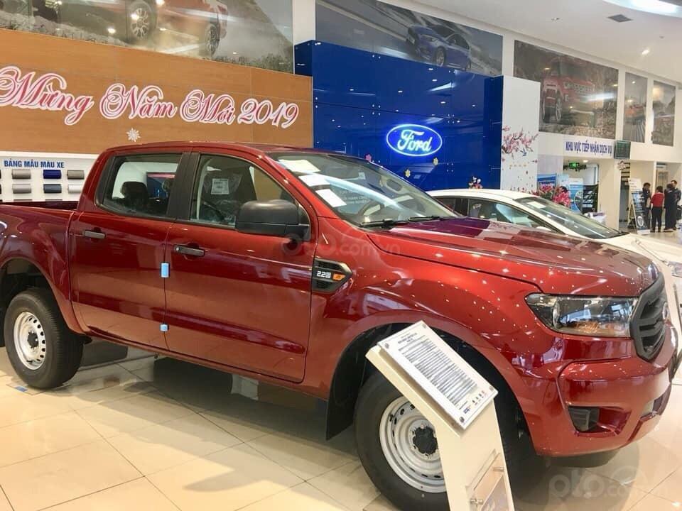 Bán ô tô Ford Ranger XL 4x4 MT 2019, màu đỏ, nhập khẩu nguyên chiếc xe mới chính hãng, giá khuyến mại cực lớn (2)