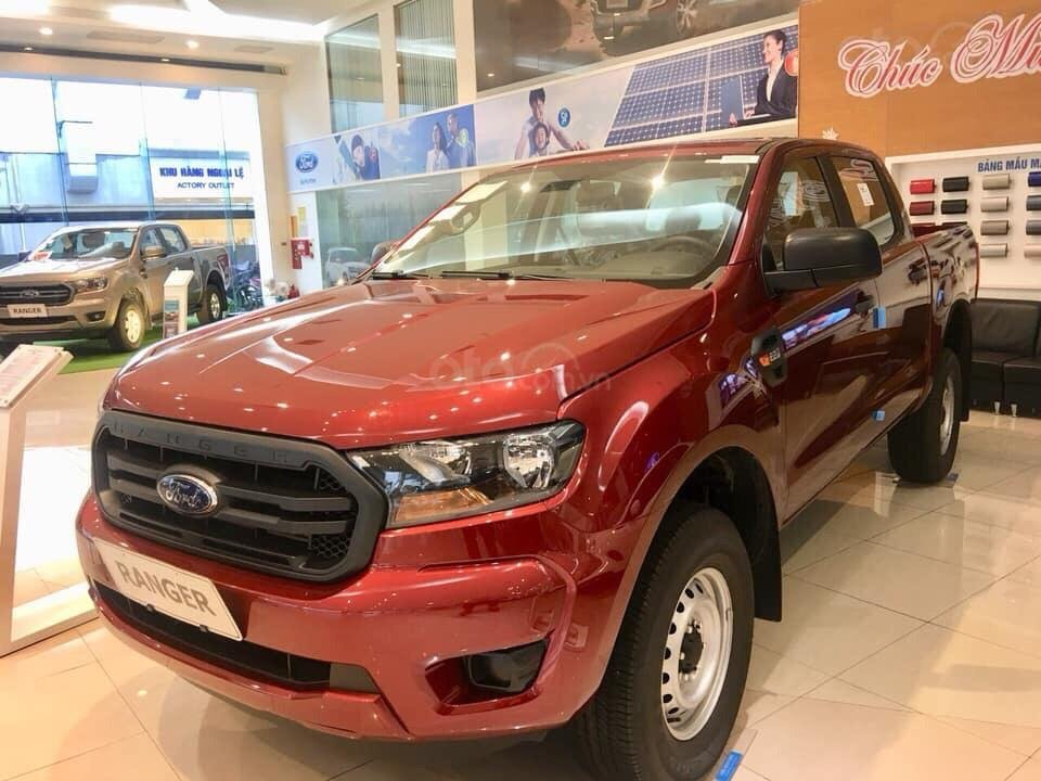 Bán ô tô Ford Ranger XL 4x4 MT 2019, màu đỏ, nhập khẩu nguyên chiếc xe mới chính hãng, giá khuyến mại cực lớn (3)