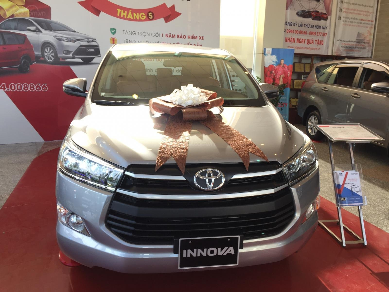 Toyota Tân Cảng bán Innova 2.0G AT 2020 mừng Tết Canh Tý bán giá cực kỳ hợp lý – xe đủ màu giao - LH 0901.92.33.99 (1)