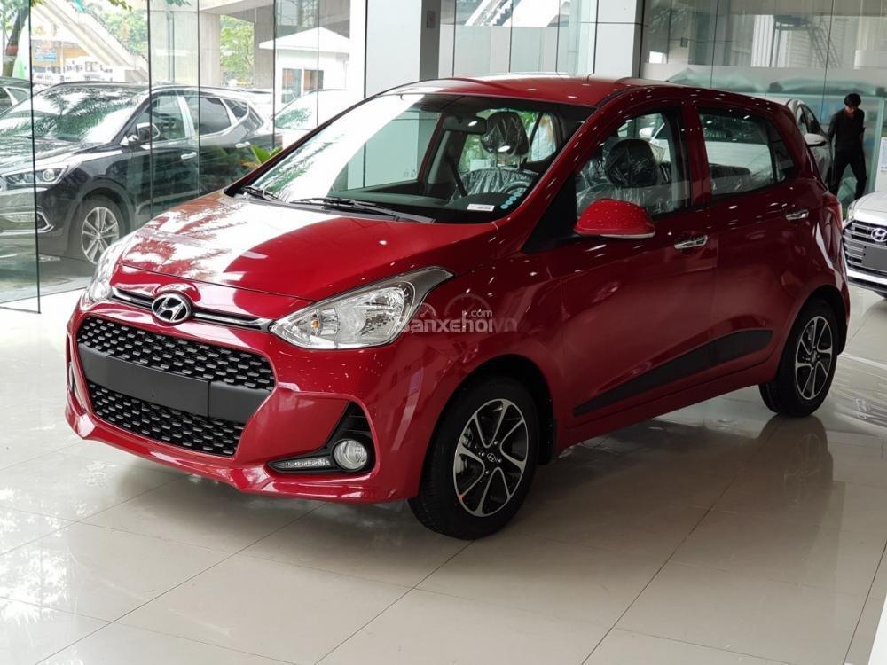 Hyundai Grand i10, khuyến mãi 10trieu. Đặc biệt riêng cho khách hàng khi mua xe chạy Grab LH: 09.387.383.06 (1)