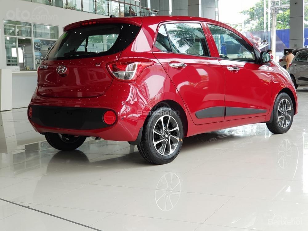 Hyundai Grand i10, khuyến mãi 10trieu. Đặc biệt riêng cho khách hàng khi mua xe chạy Grab LH: 09.387.383.06 (3)