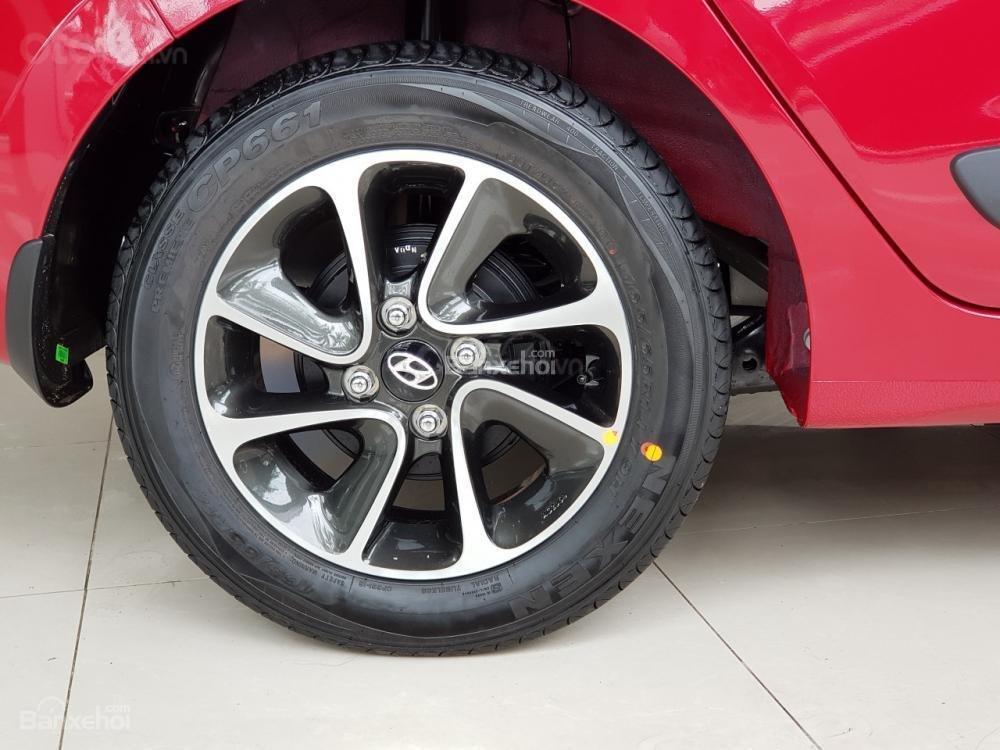 Hyundai Grand i10, khuyến mãi 10trieu. Đặc biệt riêng cho khách hàng khi mua xe chạy Grab LH: 09.387.383.06 (5)