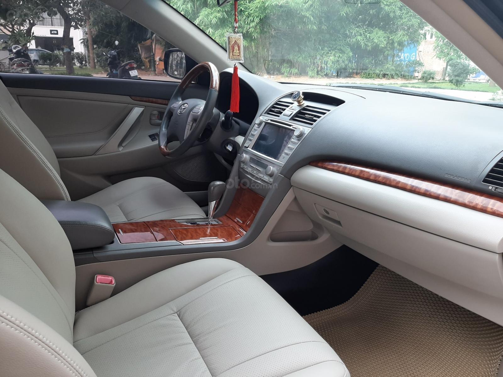 Bán Toyota Camry 2.4G sản xuất năm 2010, màu đen số tự động, 615 triệu (5)