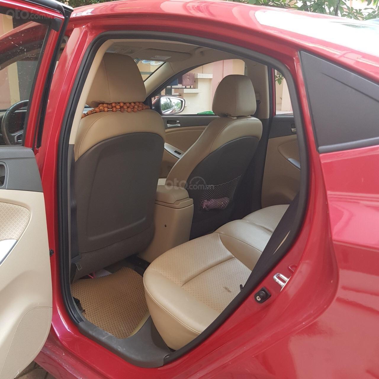 Cần bán xe Hyundai Accent AT 2012 màu đỏ, nhập khẩu nguyên chiếc (2)
