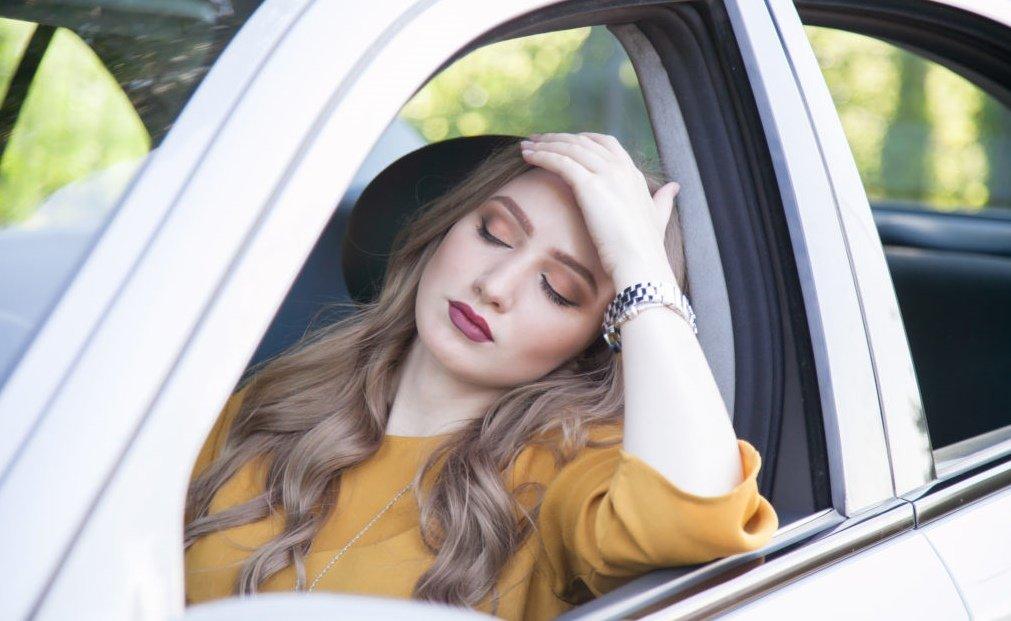 Biểu hiện thường thấy của say xe là chóng mặt, buồn nôn, đau đầu... 1