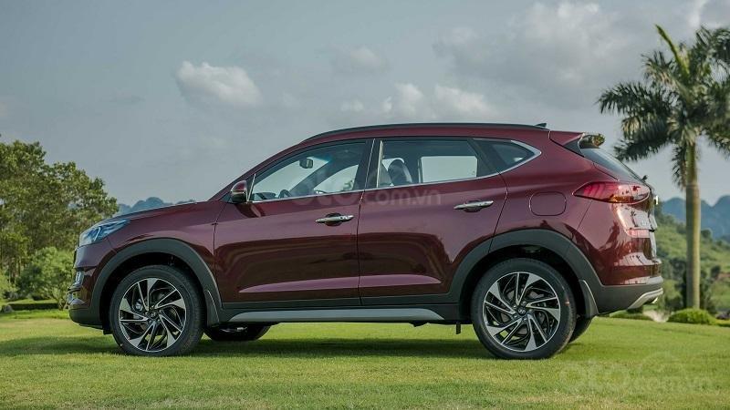 So sánh xe Hyundai Tucson 2019 và Mazda CX-5 2019 về thân xe 3