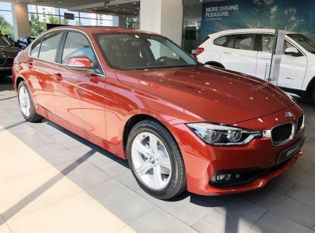 BMW 320i 2019 nằm trong phân khúc sedan hạng sang.