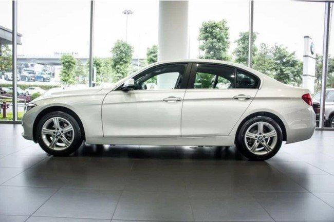 Đánh giá xe BMW 320i 2019 về mức tiêu hao nhiên liệu.