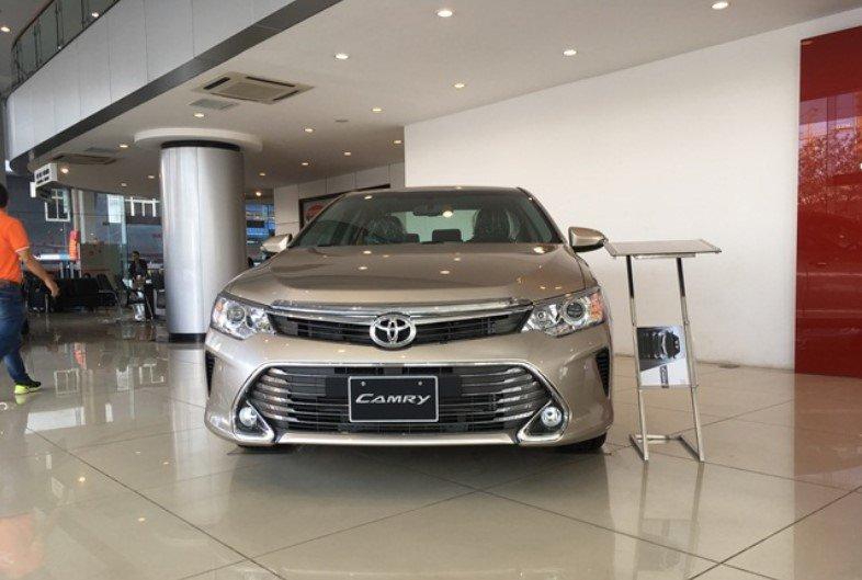 So sánh thông số kỹ thuật xe Toyota Camry 2018 và 2019 - Ảnh 2.