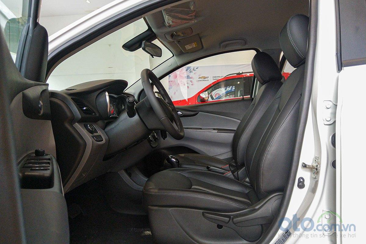 Bảng giá phụ kiện chính hãng đắt đỏ nếu khách hàng tùy chọn trang bị xe VinFast Fadil  a3