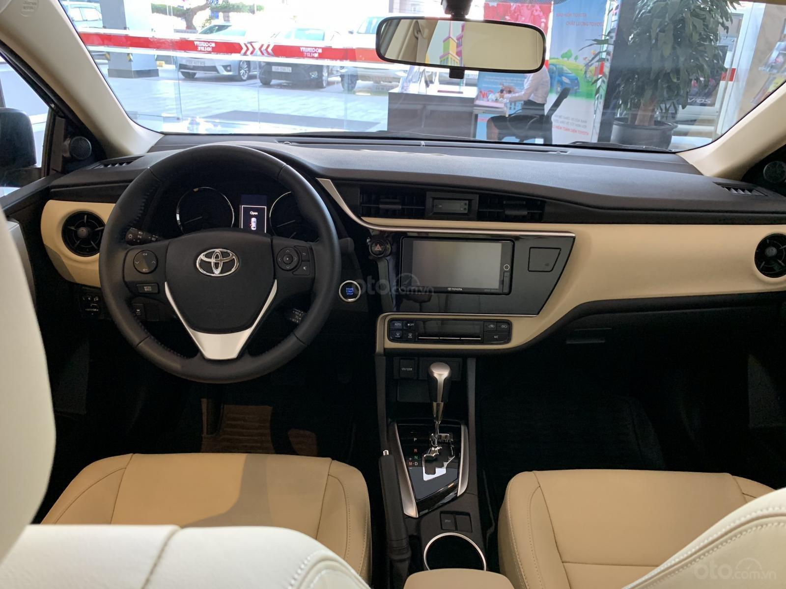 Kích thước khoang cabin Toyota Corolla Altis 2019 D x R x C tương ứng 1.930 x 1.485 x 1.205 (mm) 1