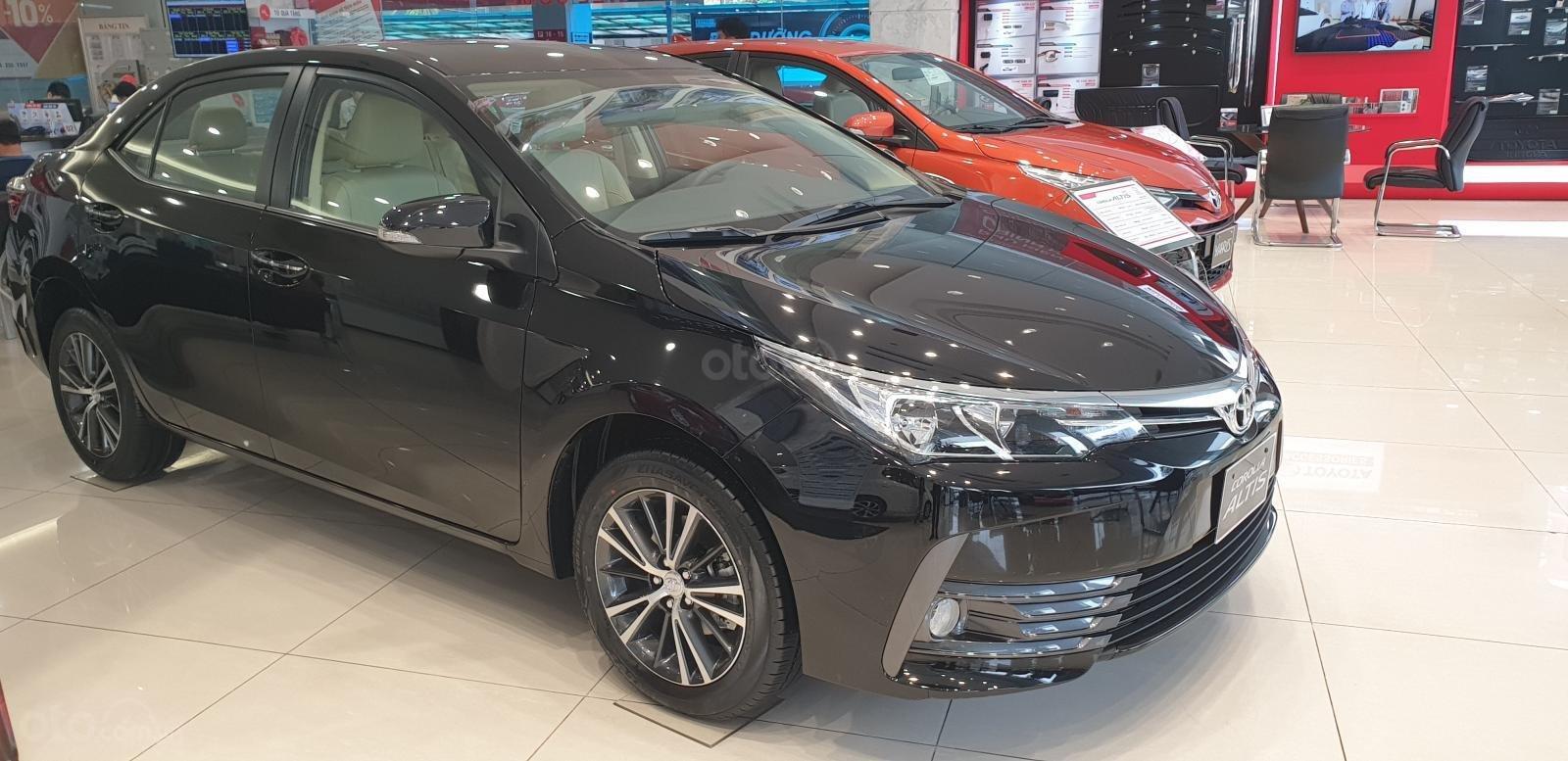 Toyota Corolla Altis 2019 sở hữu kích thước D x R x C tương ứng 4.620 x 1.775 x 1.460 (mm) a2