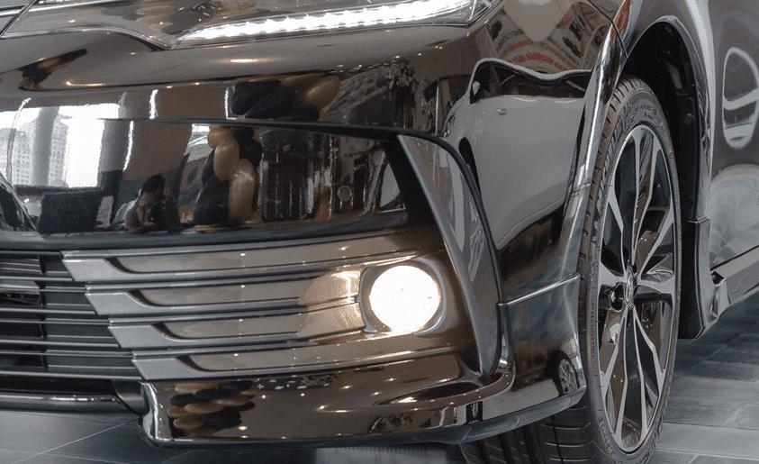 Đánh giá xe Toyota Corolla Altis 2019: Thiết đèn sương mù 1