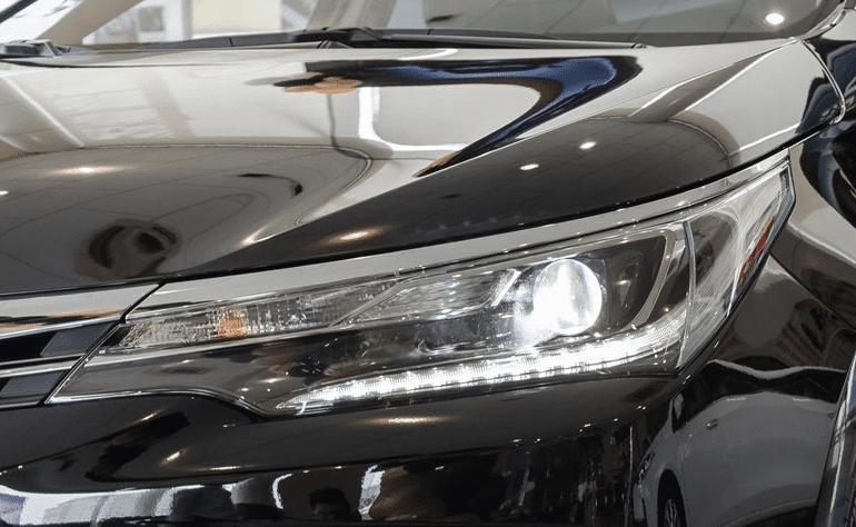 Đánh giá xe Toyota Corolla Altis 2019: Thiết kế đèn pha 1