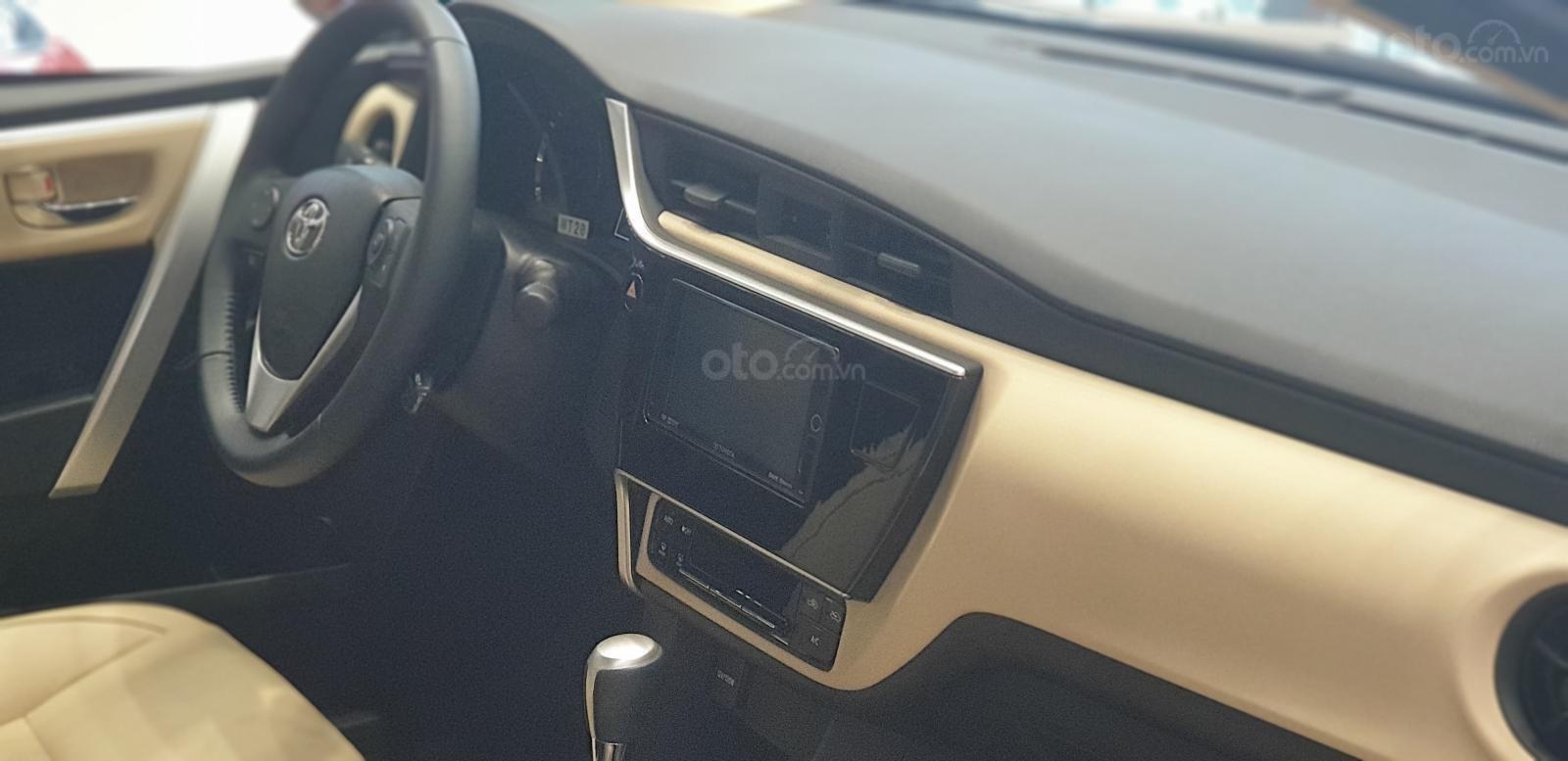 Bảng táp-lô của Toyota Corolla Altis 2019 đã được chỉnh sửa lại một số chi tiết a2
