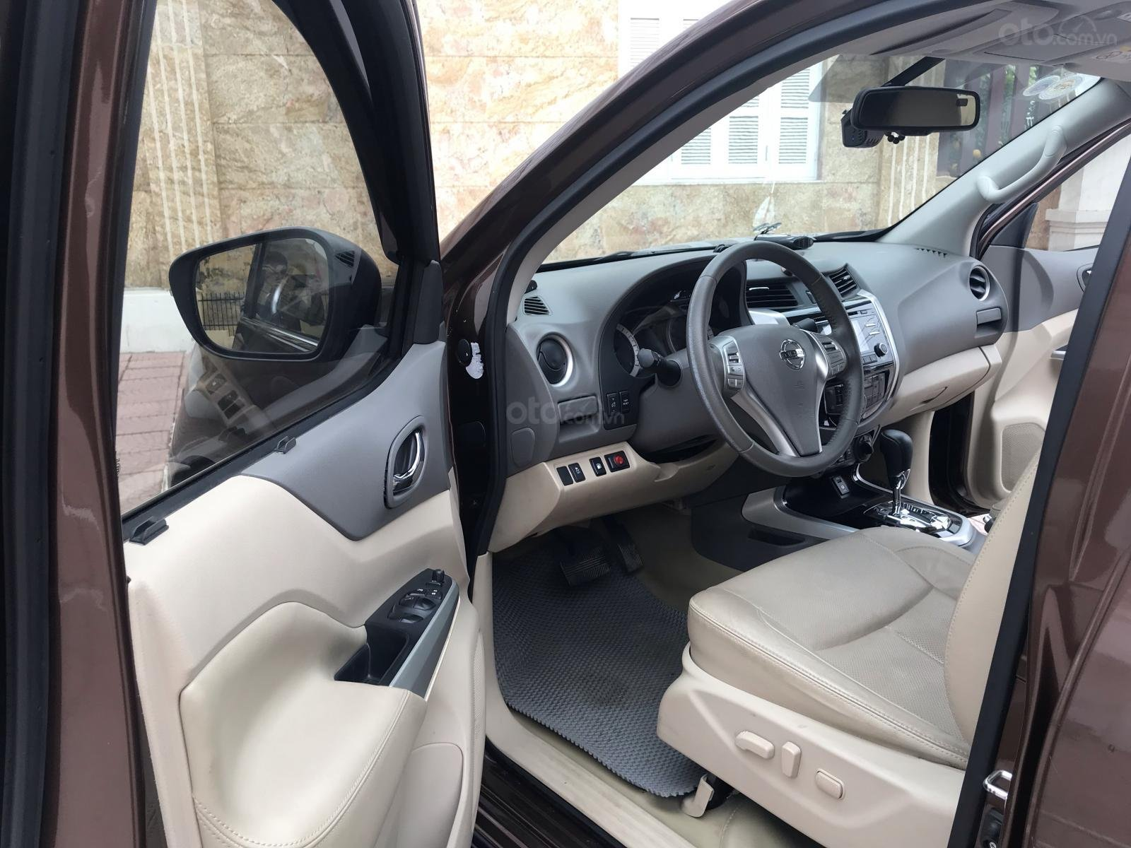 Bán Nissan Navara VL sản xuất năm 2016, màu nâu, nhập khẩu nguyên chiếc, giá chỉ 675 triệu-9