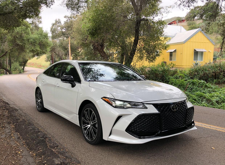 Ưu nhược điểm Audi A6 2019 so với Toyota Avalon 2019