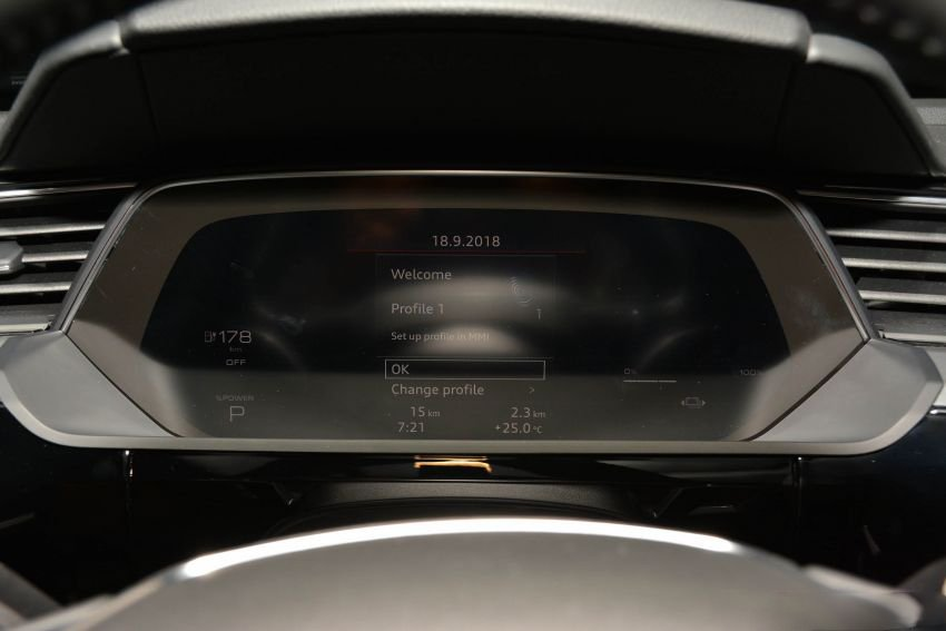 Audi E-Tron bất ngờ được trưng bày tại đại lý chính hãng ở Việt Nam a6