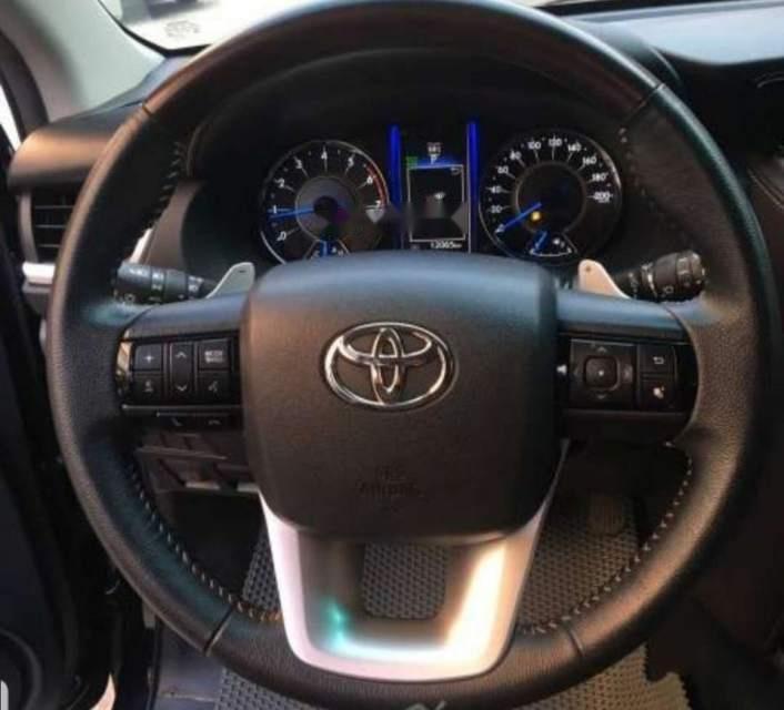 Bán xe Toyota Fortuner 2.4MT sản xuất 2018, màu đen, nhập khẩu nguyên chiếc chính chủ-3