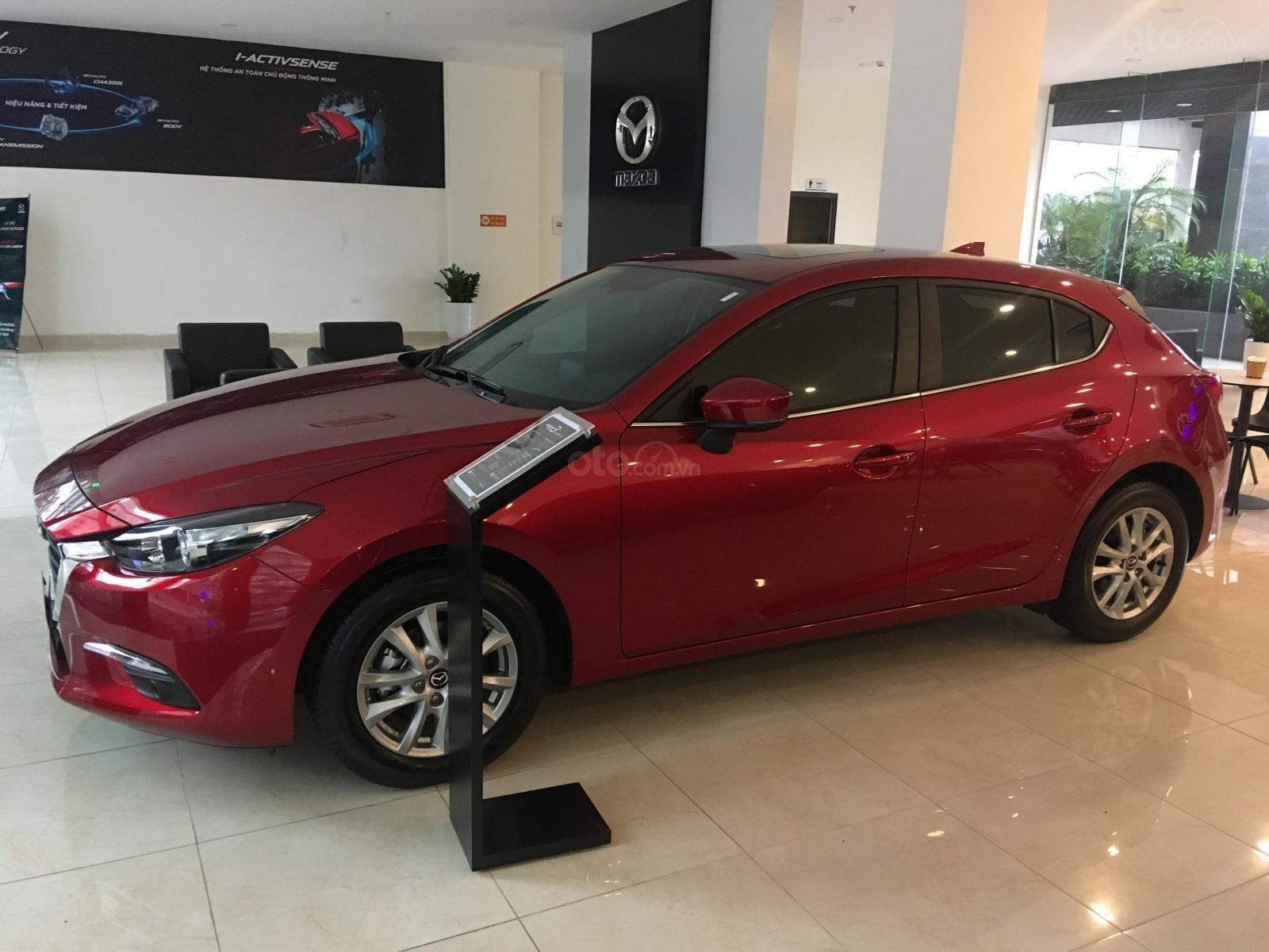 Bán xe Mazda 3 HB 2019, trả góp lên đến 80%, tặng gói phụ kiện chính hãng. LH 0962 028 838-1