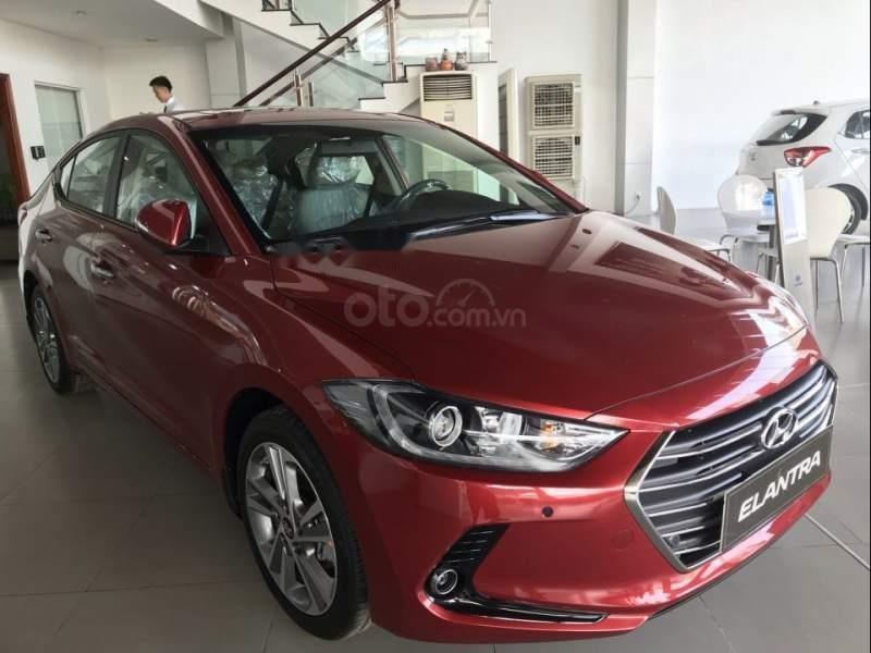 Hyundai Elantra đời 2019, sẵn xe đủ màu giao ngay, tặng phụ kiện hấp dẫn, LH Mr. Ân 0939493259 (1)