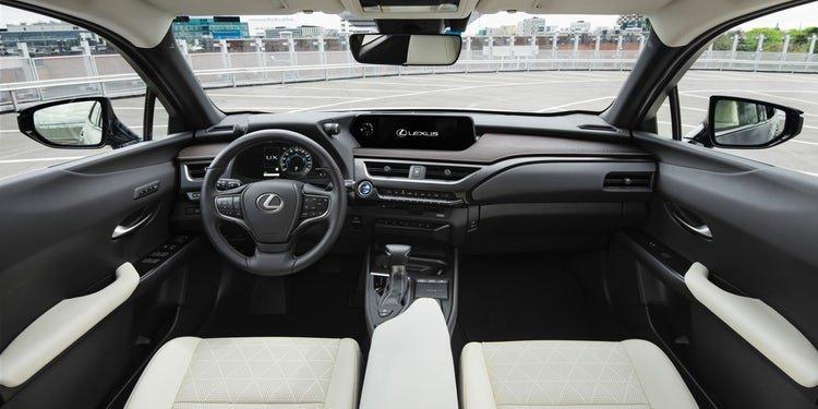 Nội thất xe Lexus UX 2019.