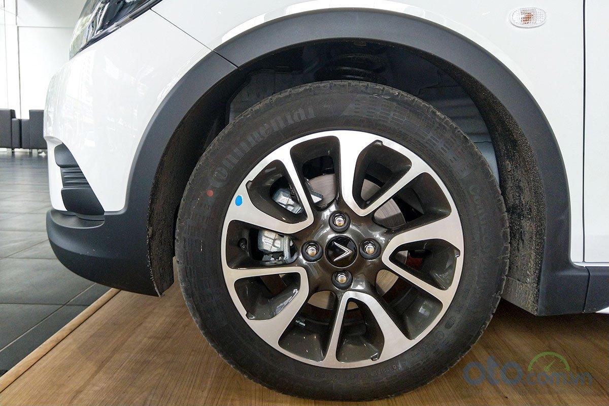 Đánh giá xe VinFast Fadil 2019: Lă-zăng kích thước 15 inch.