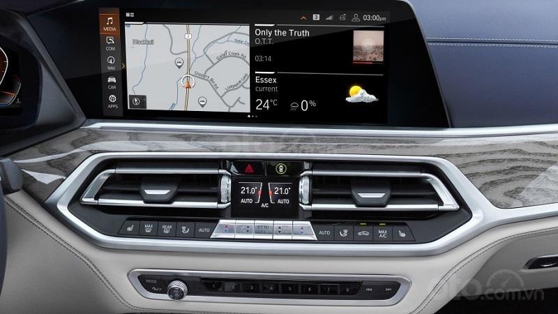 Màn hình thông tin giải trí trên BMW X7 2019...