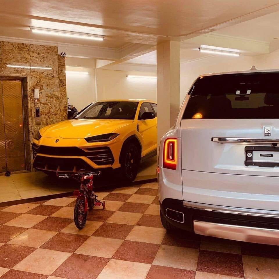 Lamborghini Urus và Rolls-Royce Cullinan của đại gia Việt về chung một nhà a1