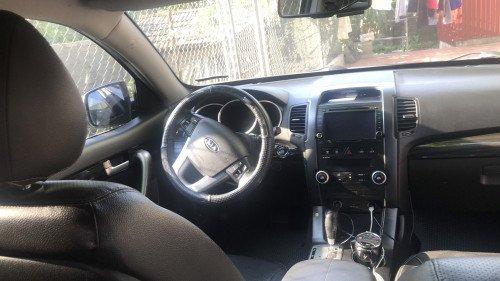 Chính chủ bán xe Kia Sorento 2.4 AT 2011, màu đen (4)