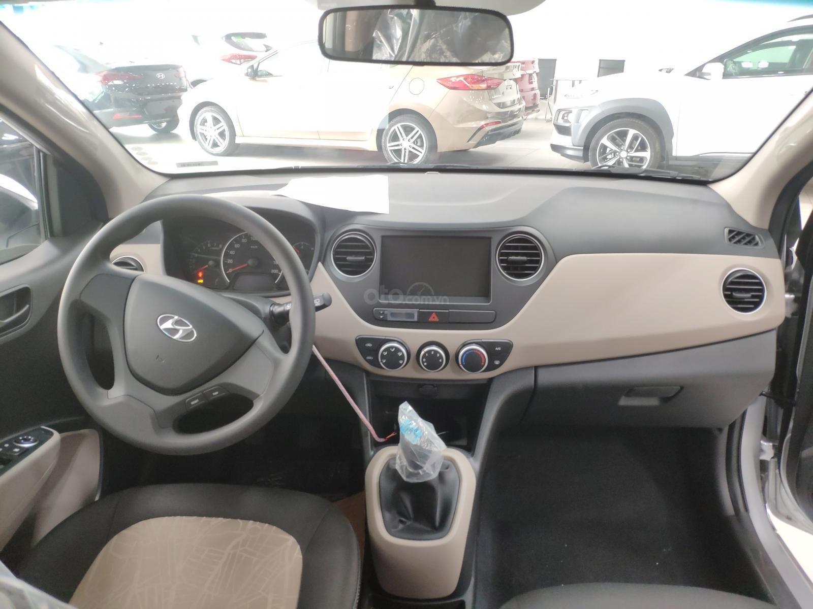 Bán Hyundai Grand i10 năm sản xuất 2019, màu bạc-1