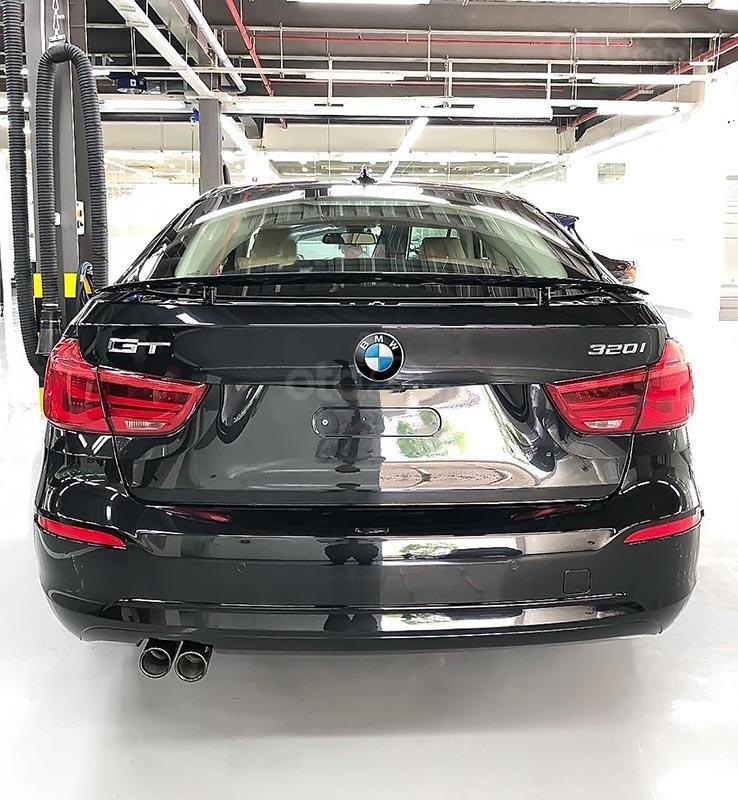 Bán BMW 320i GT 2018 - Dựa trên khung gầm 3 Series, 3 GT-2