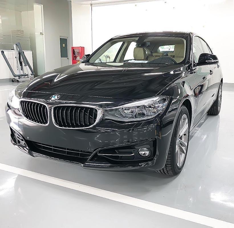 Bán BMW 320i GT 2018 - Dựa trên khung gầm 3 Series, 3 GT-0