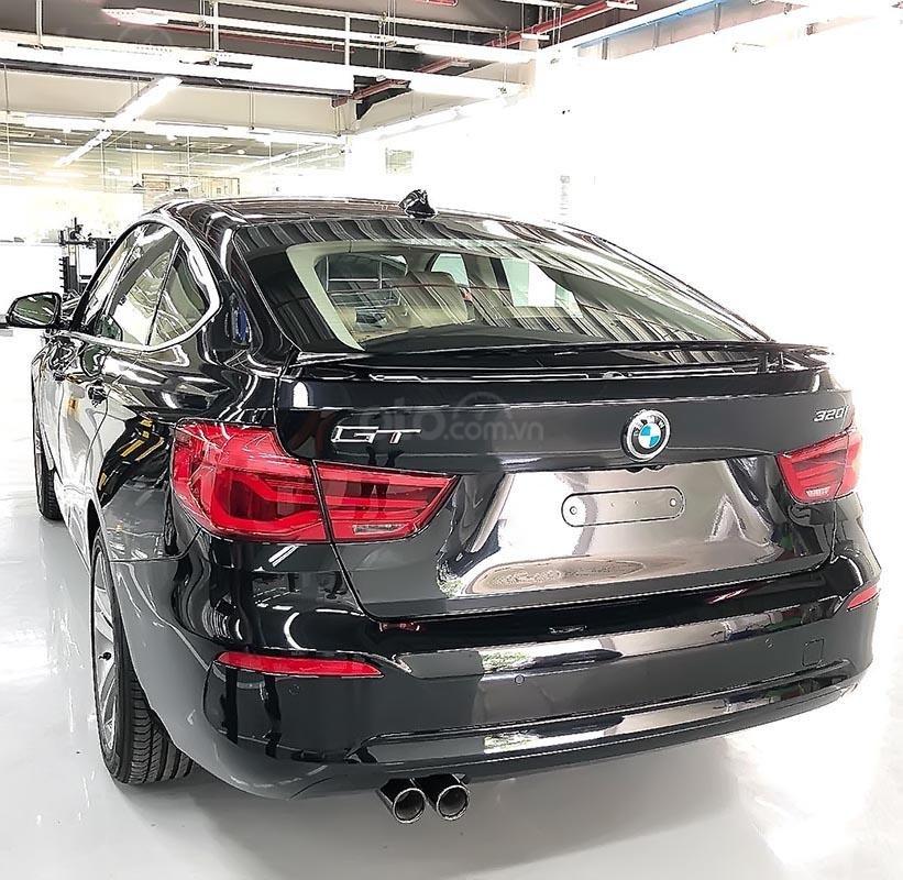 Bán BMW 320i GT 2018 - Dựa trên khung gầm 3 Series, 3 GT-3