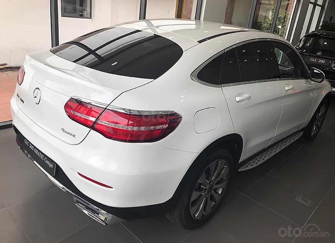 Bán Mercedes GLC 300 Coupe 4Matic sản xuất 2019, xe nhập, mới hoàn toàn (4)