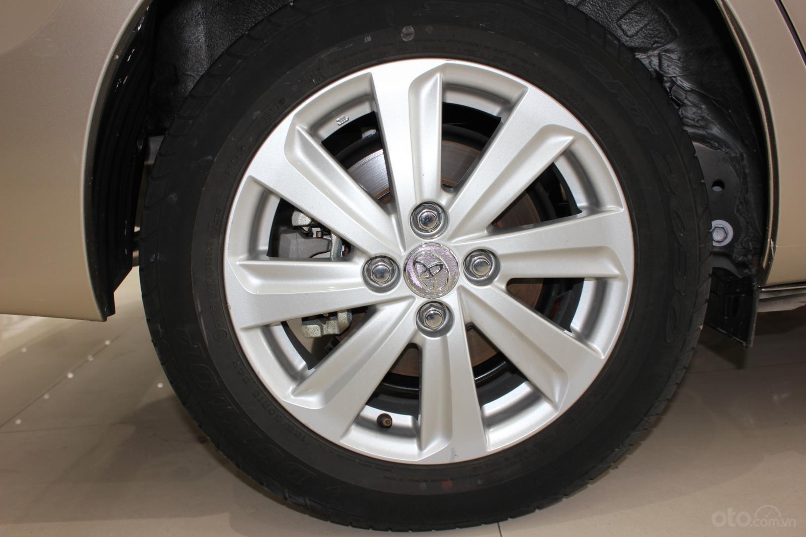 Cần bán Toyota Vios E đời 2017, màu bạc số tự động, 510 triệu (17)