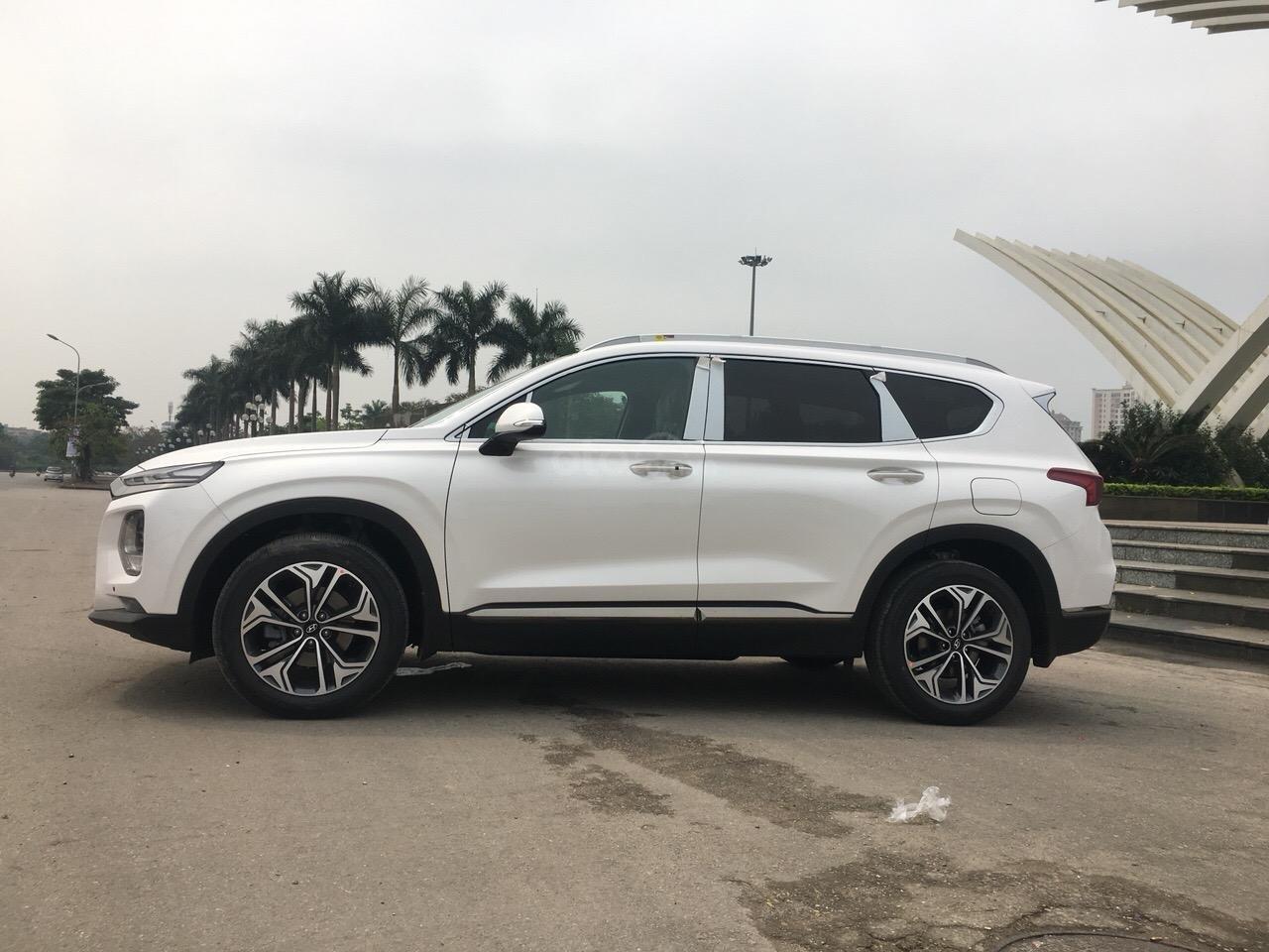 Bán Hyundai Santa Fe 2019 Premium, giá cực tốt cùng nhiều phần quà tặng hấp dẫn, sẵn xe giao ngay-1