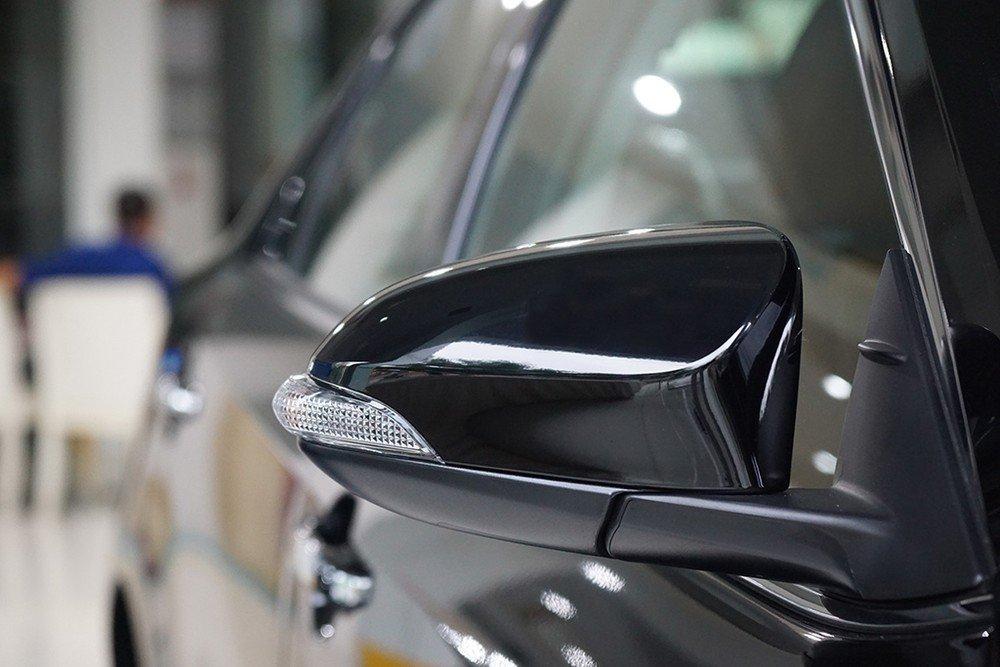 Những điều cần biết về độ gương gập điện trên ô tô.