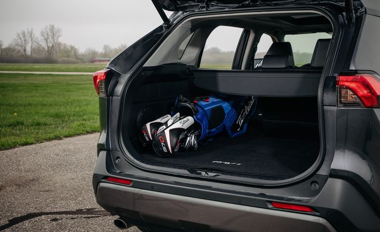 So sánh Mazda CX-5 với Toyota RAV4 2019