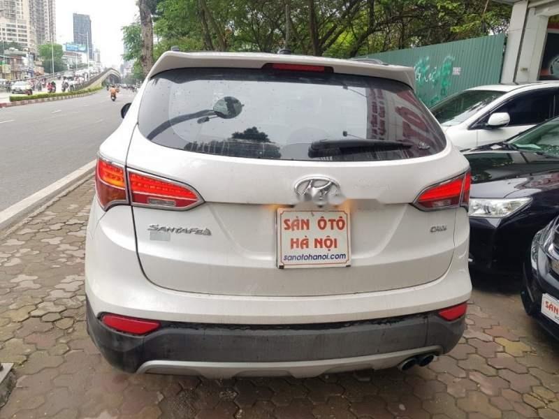 Cần bán xe Hyundai Santa Fe đời 2015, màu trắng chính chủ giá cạnh tranh-1