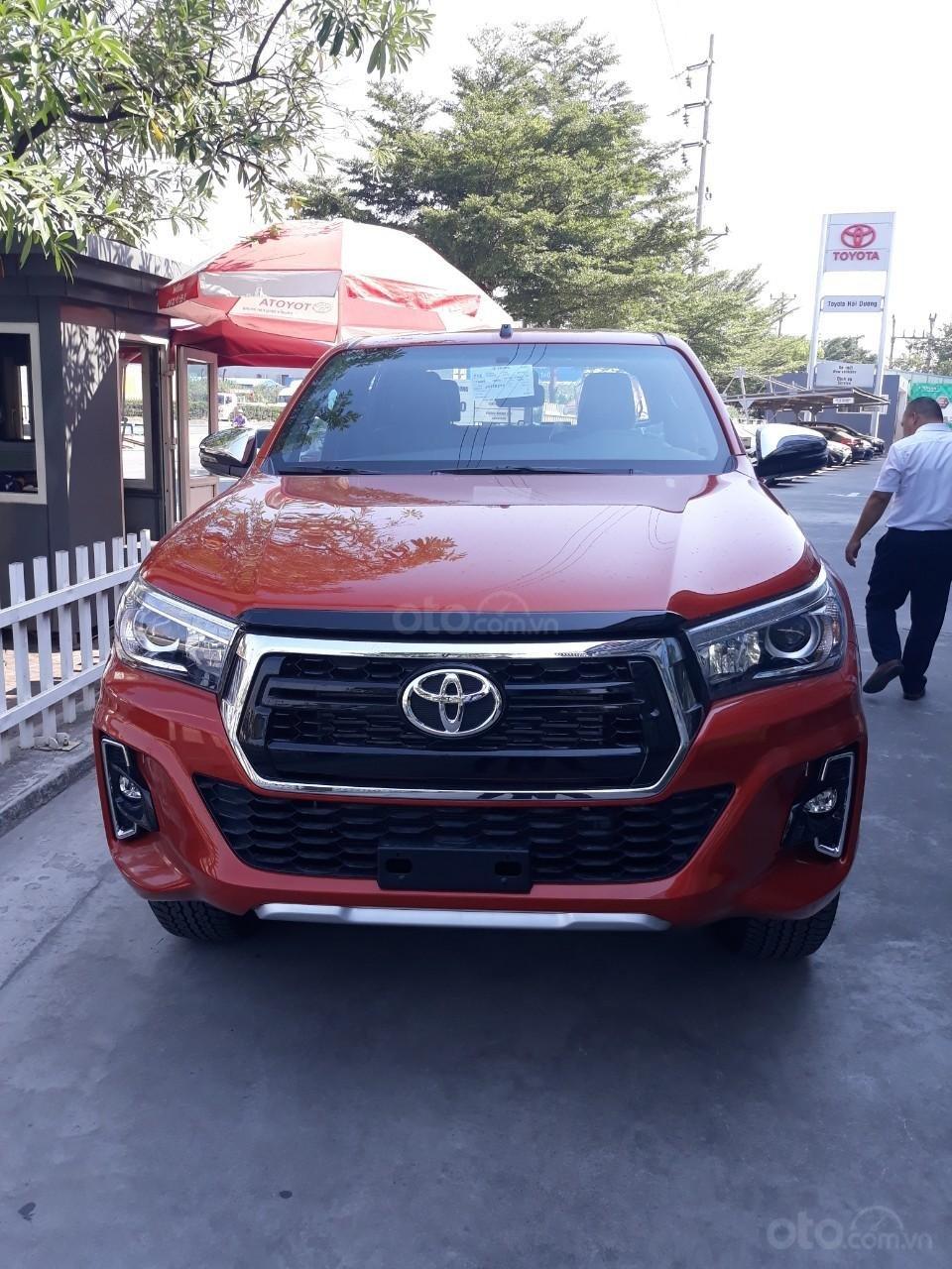 Bán Toyota Hilux tự động 2019 trả góp tại Hải Dương, hotline: 0976394666 Mr Chính (6)