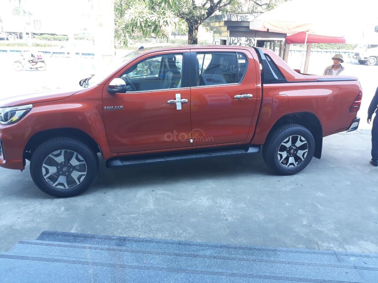 Bán Toyota Hilux tự động 2019 trả góp tại Hải Dương, hotline: 0976394666 Mr Chính (3)