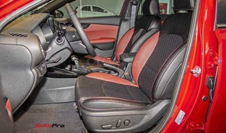 Kia Cerato 2019 nhiều ưu đãi, đủ màu, xe có sẵn và giao ngay, hỗ trợ trả góp 90%, liên hệ 093 317 0660-9