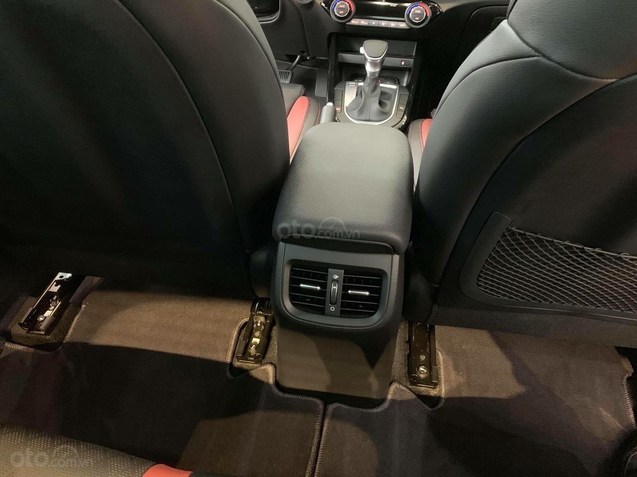 Kia Cerato 2019 nhiều ưu đãi, đủ màu, xe có sẵn và giao ngay, hỗ trợ trả góp 90%, liên hệ 093 317 0660-5