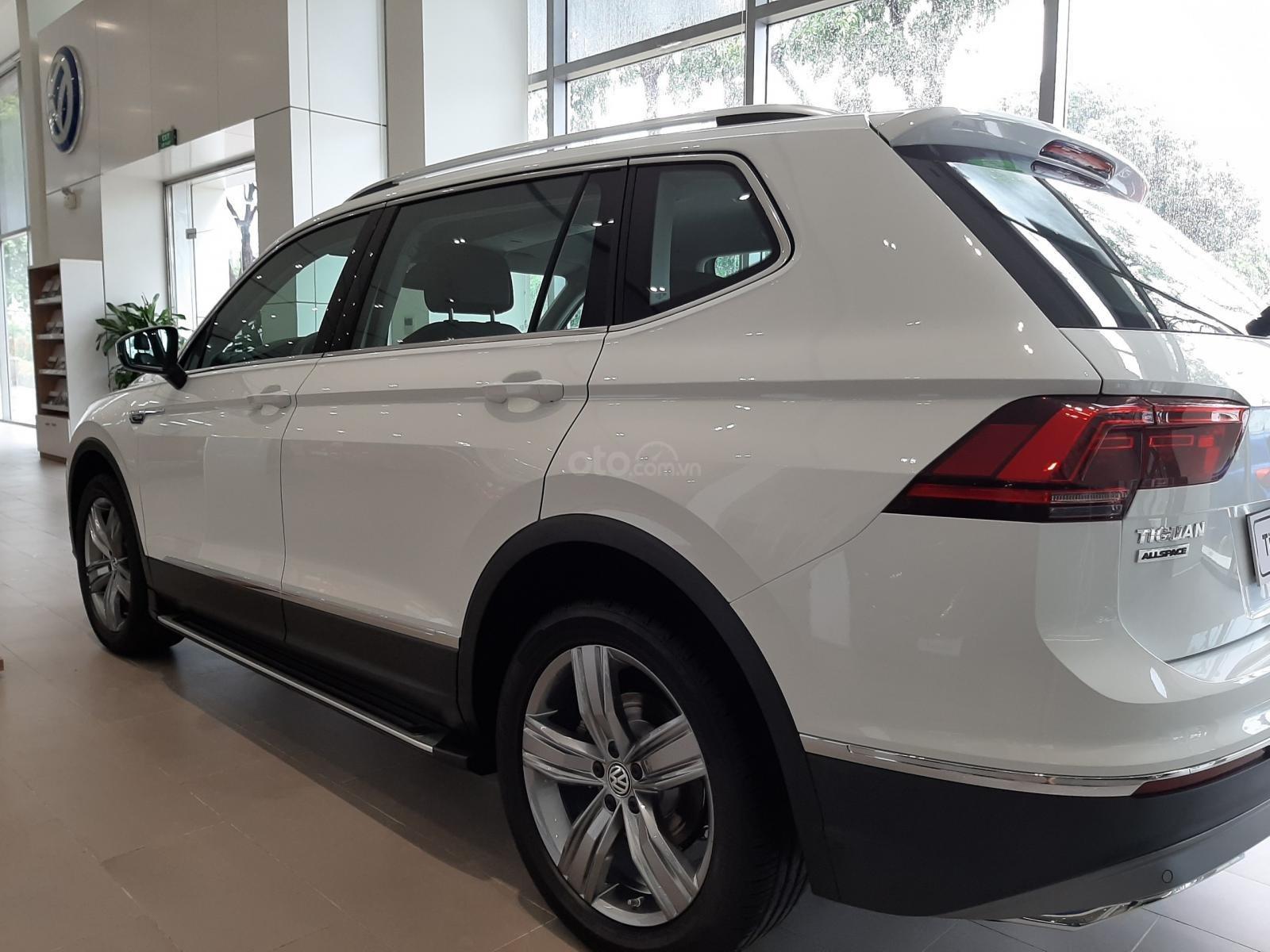 Bán Volkswagen Tiguan trắng ngọc trai 2019 - Hỗ trợ ngân hàng đến 85%-2