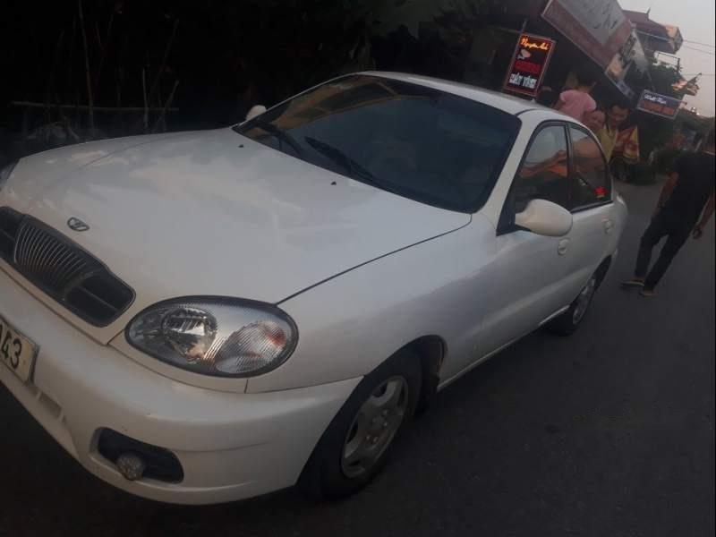 Cần bán gấp Daewoo Lanos sản xuất năm 2002, màu trắng-0
