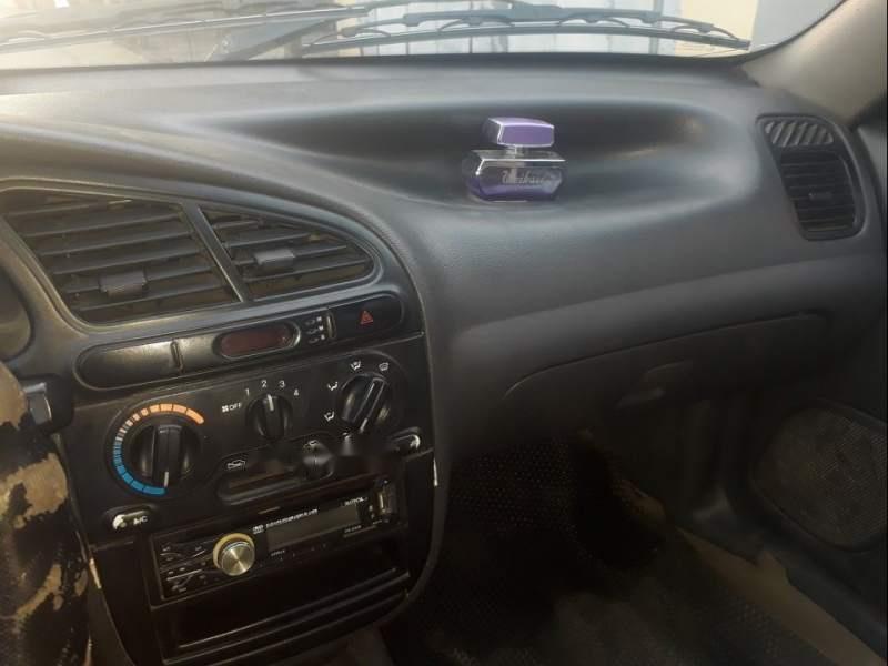 Cần bán gấp Daewoo Lanos sản xuất năm 2002, màu trắng-2